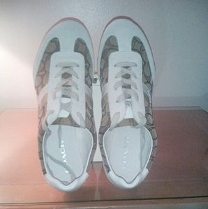 Chic Coach fashion sneakers